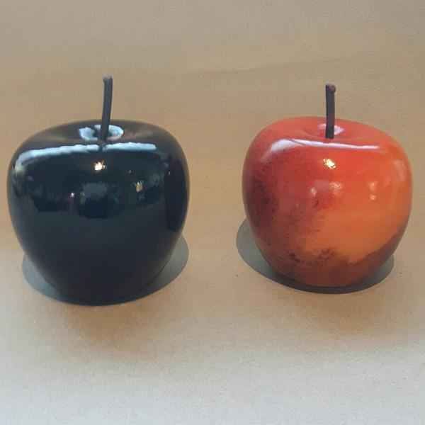 Gunilla Kihlgren, glaskonstnär, äpplen