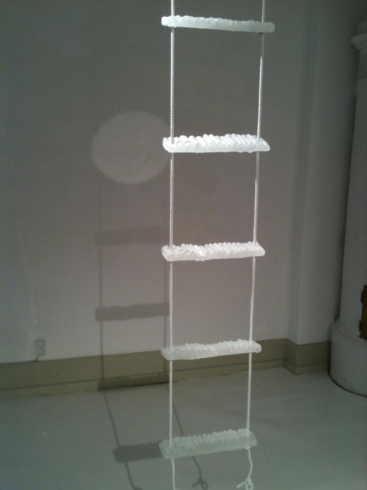 Lena NIlsson, Stege, gjutet glas och rep, 30 cm x 160 cm. Pris 20.020:-
